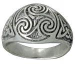 Triskele ring